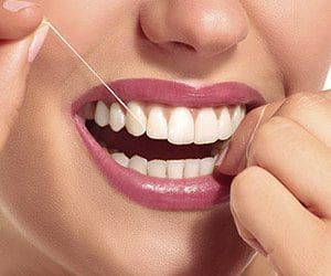 How to use a dental floss